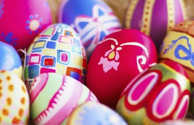 Come decorare le uova di pasqua con i bambini non sprecare - Decorare le uova per pasqua ...