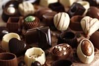 Come trasformare il cioccolato delle uova di Pasqua in tanti gustosi cioccolatini fai da te