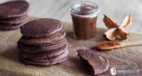 La ricetta per preparare in casa i pancake vegani con cioccolato e cannella
