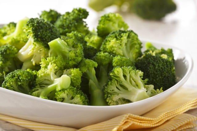 Broccoli: proteggono occhi e ossa. Fanno il pieno di vitamina C e ci conservano più giovani