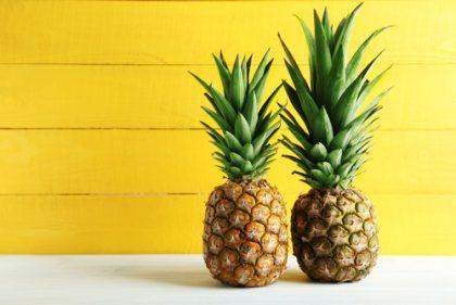 Come coltivare una pianta di ananas in casa senza sprechi, utilizzando il ciuffo