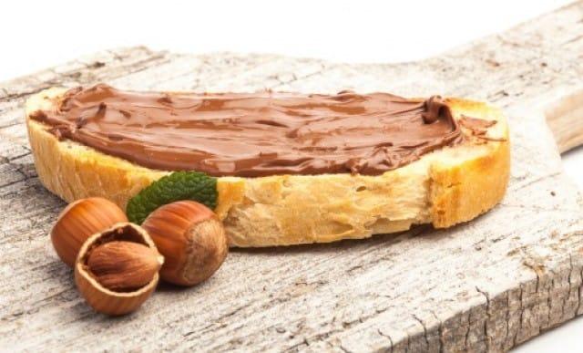 Nutella: la ricetta per preparare in casa una gustosa crema di nocciola vegan