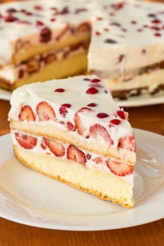 ricetta della torta con fragole e panna anche vegan