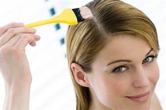 come tingere i capelli bianchi con prodotti naturali