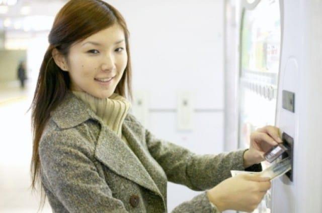Distributori automatici di frutta e verdura a km0: la nuova frontiera del mercato ortofrutticolo