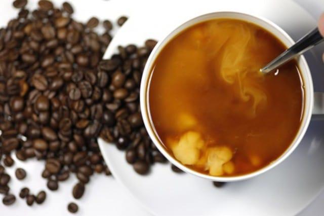 Caffè, tre tazzine per prevenire cancro, Parkinson e Alzheimer. Benefici e avvertenze