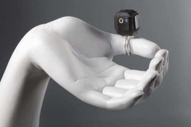 Ecco i gioielli creati attraverso il recupero dei rifiuti elettrici ed elettronici
