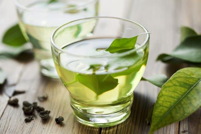 il-te-verde-protegge-il-cuore-e-aiuta-contro-il-diabete-e-lobesita (3)