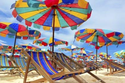 Ombrelloni gratis in Versilia a Lido di Camaiore per famiglie e pensionati a basso reddito