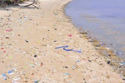 regole per mantenere la spiaggia pulita
