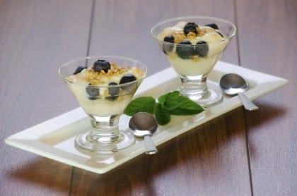 semifreddo allo yogurt e frutta fresca, la ricetta