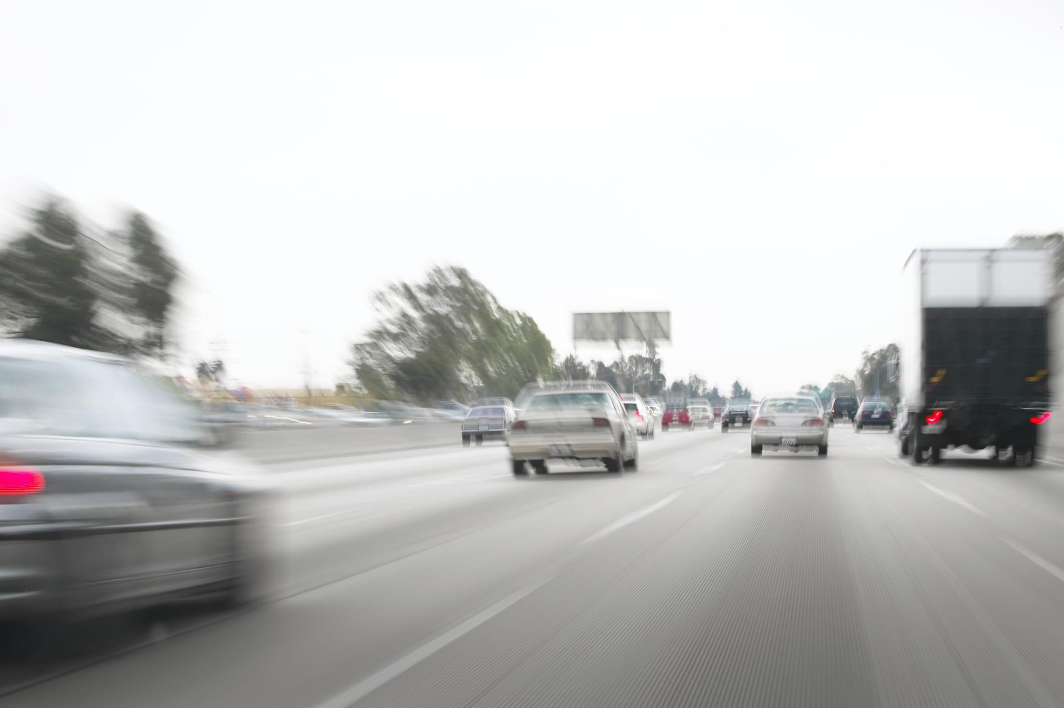 Calo immatricolazioni auto a Milano: effetto della crisi e del car sharing