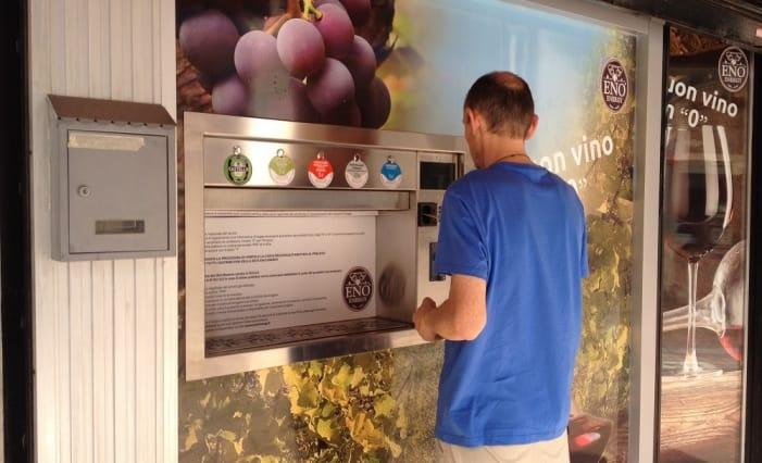A Lecco il primo distributore automatico di vino