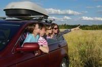 Le regole per viaggiare sicuri in auto