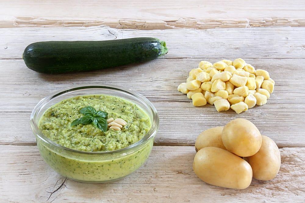 ricetta pesto di zucchine