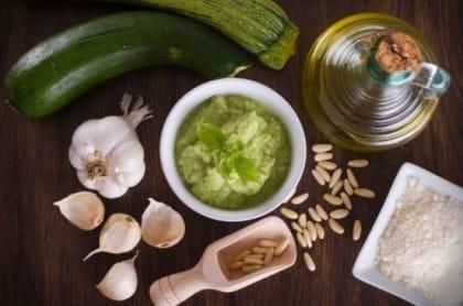 pesto di zucchine: la ricetta