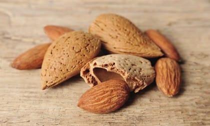Alimentazione sana per prevenire malattie: gli alimenti che ci aiutano a stare bene