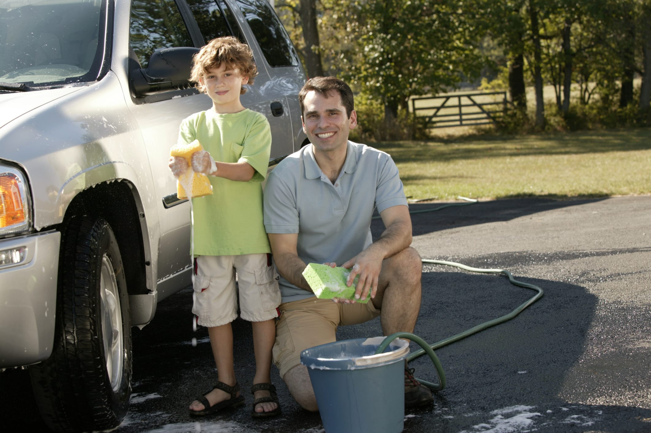 Detersivo fai da te per auto: i consigli utili per una pulizia efficace ed ecologica