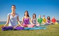 Yoga, i dieci benefici per il corpo e la mente. Contrasta la depressione e fa bene al cuore