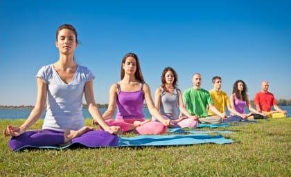 I dieci effetti benefici dello yoga sul corpo e sulla mente