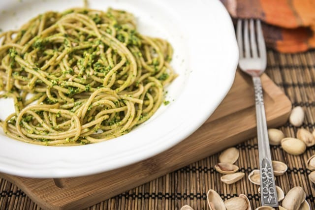 Pesto di pistacchi: la ricetta veloce e sfiziosa