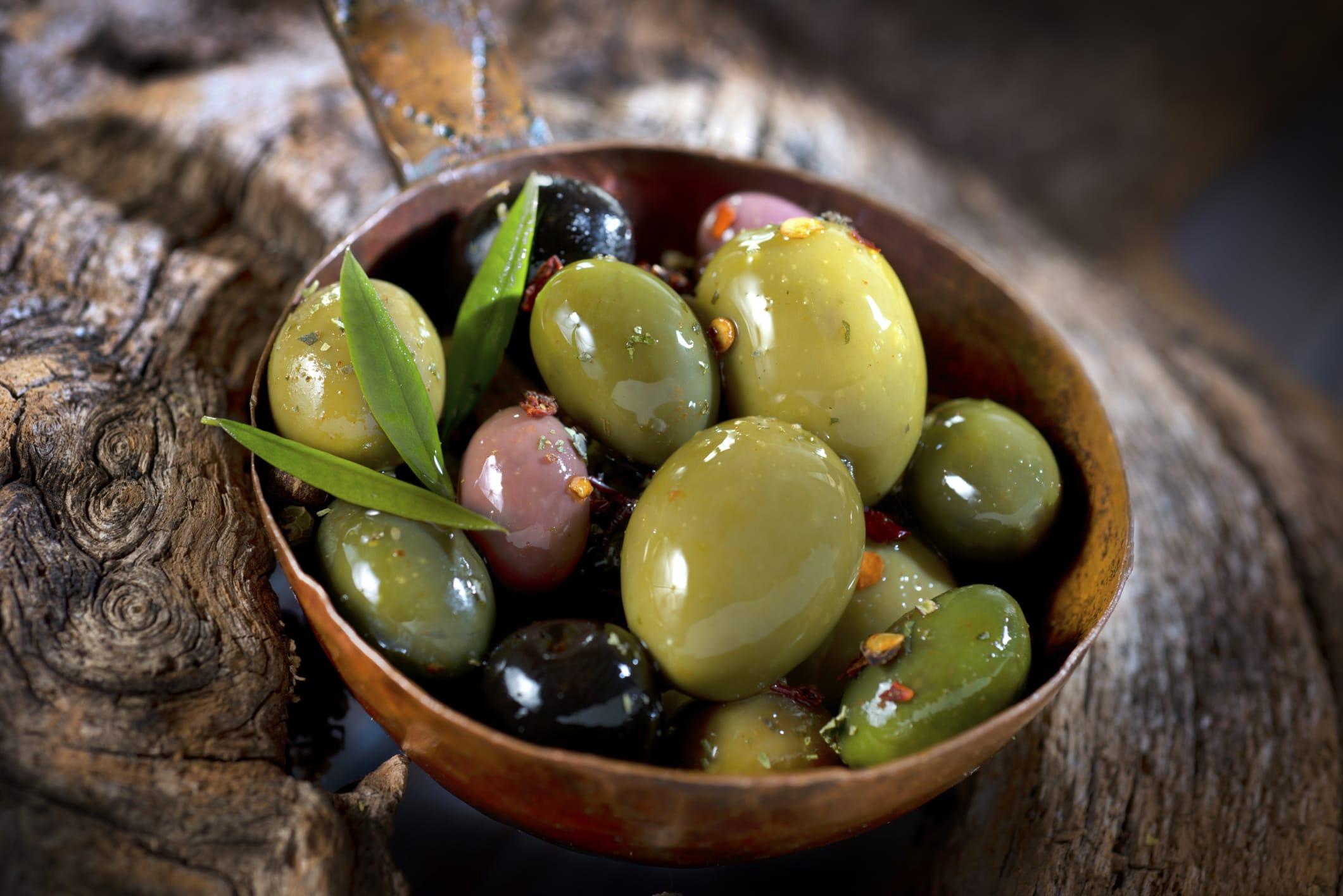 Ricetta salsa alle olive e proprietà benefiche per la salute