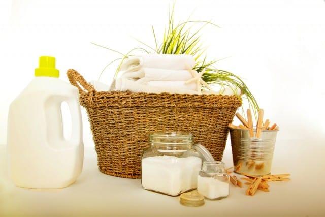 Detersivi per lavatrice e ammorbidente: 10 ricette fai-da-te per autoprodurre