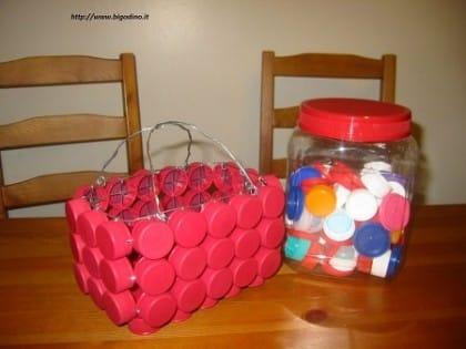 riciclo-creativo-tappi-di-plastica (2)