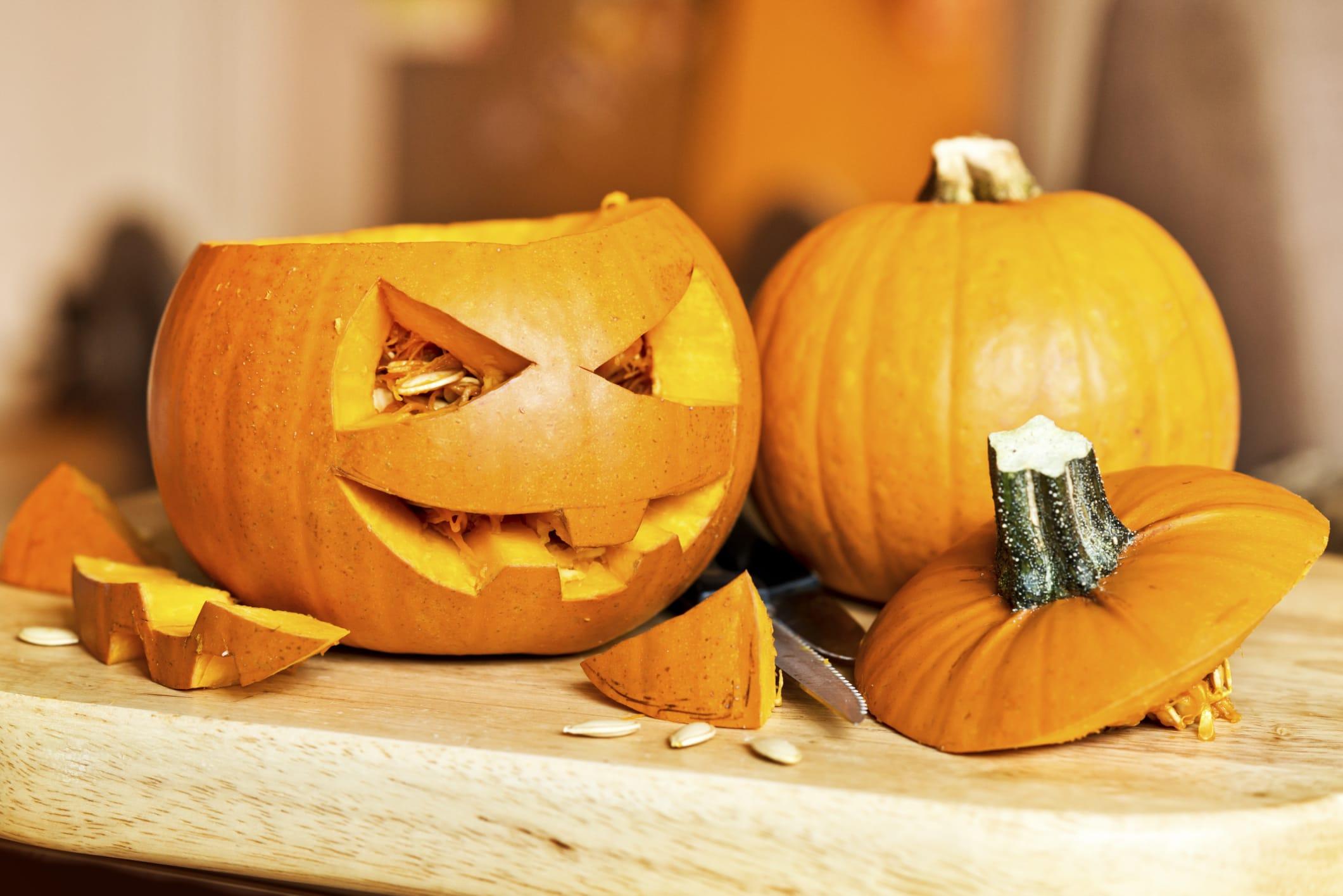 Come intagliare la zucca di halloween e tante ricette for Zucca halloween luminosa