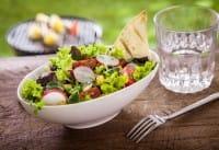 Dimagrire bevendo acqua: la dieta giusta a costo zero e senza sforzi