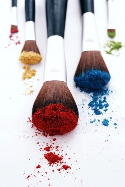 Raccolta differenziata cosmetici: idee per il loro riutilizzo creativo