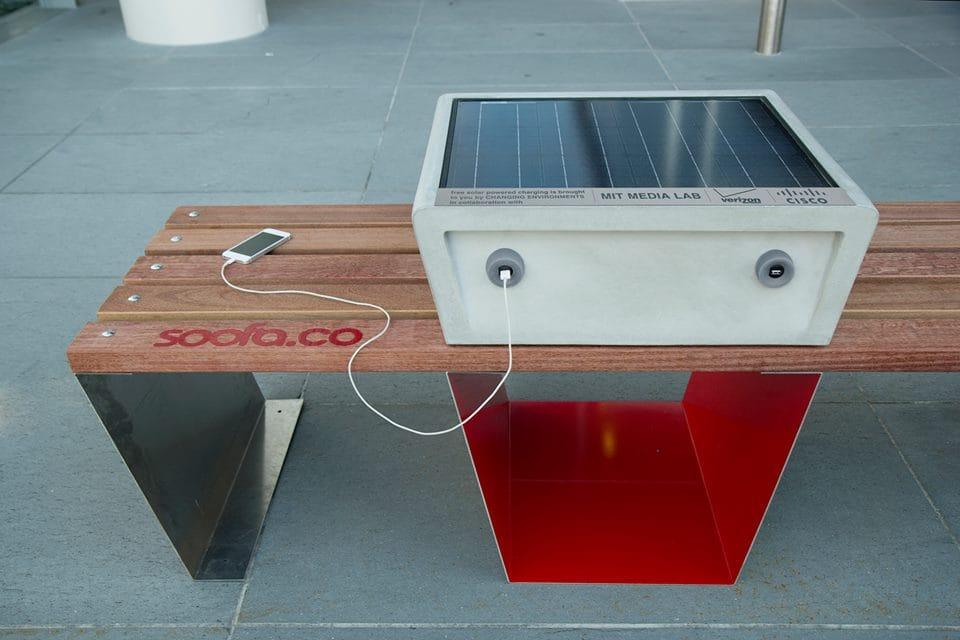 ricarica cellulare energia solare