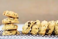 Biscotti con corn flakes e gocce di cioccolato
