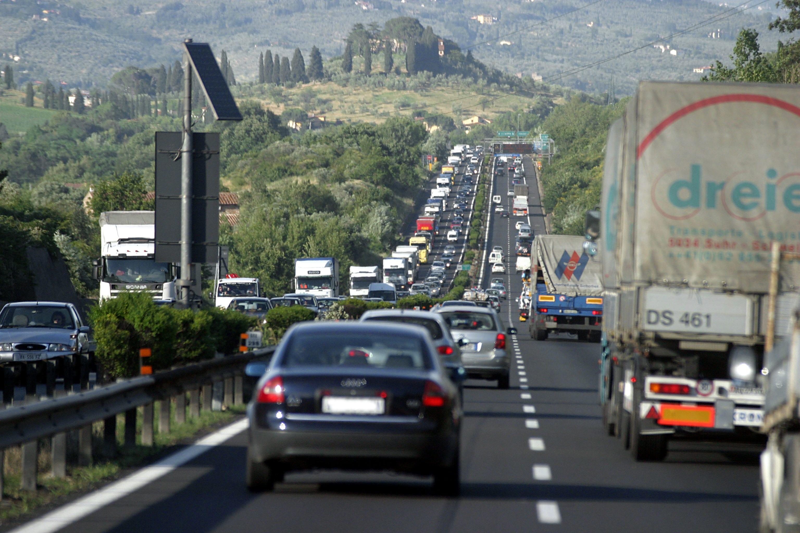 Storia Autostrada del Sole: la costruzione e i vantaggi per la crescita economica del Paese