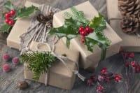 Carta regalo fai da te: come personalizzare i doni natalizi in maniera creativa e low cost | Foto