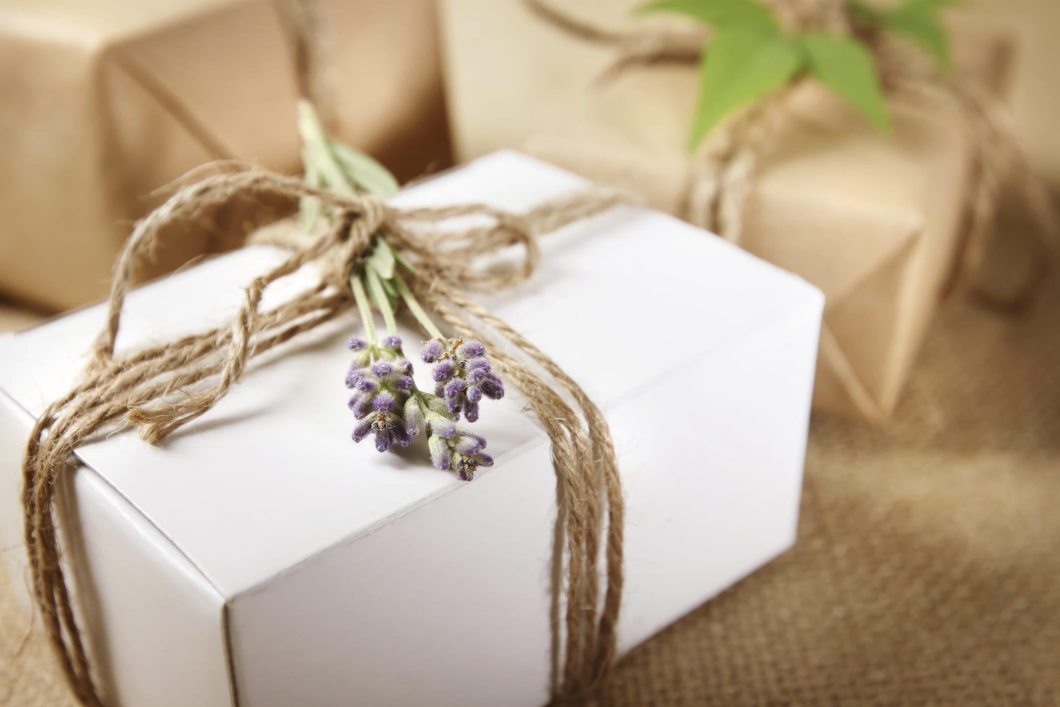 Carta regalo fai da te foto non sprecare for Pacchetti soggiorno regalo