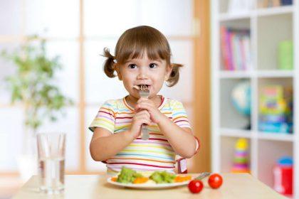 come preparare la tavola dei bambini