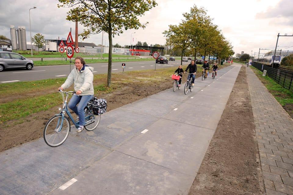 Cartina Piste Ciclabili Olanda.Pista Ciclabile Solare In Olanda Ad Amsterdam Solaroad Non Sprecare