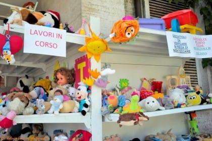 raccolta-giocattoli-usati-beneficenza-progetto-associazione-salvamamme-volontari-roma (8)