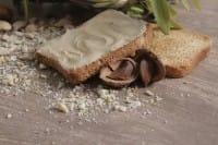 Crema di mandorle: la ricetta vegan perfetta per farcire i dolci o gustare al cucchiaio (Foto)