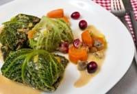 Involtini di verza e patate: la ricetta nutriente e sana che recupera gli avanzi