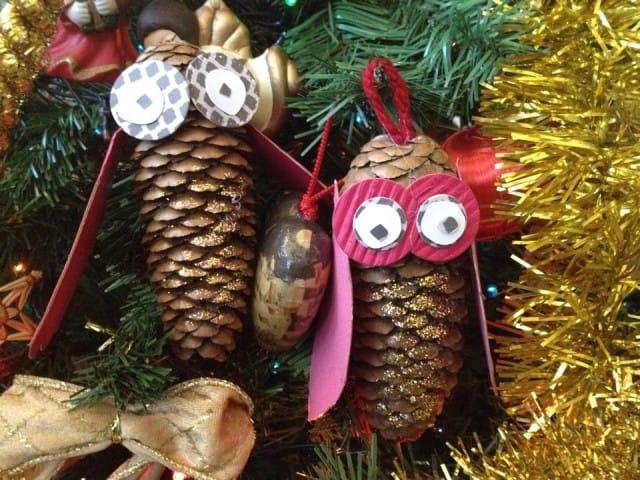 Decorazioni di natale come fare un gufo con le pigne - Decorazioni natalizie con le pigne ...