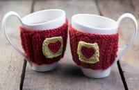 Coppia di tazze con copritazza realizzato con vecchi maglioni