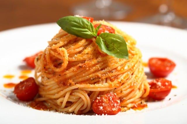 Spaghetti con sugo di pomodorini