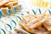 Chiacchiere di Carnevale: fritte o al forno, ecco la ricetta per prepararle in casa