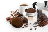 Fondi di caffè per orto e giardino, così diventano concime naturale. E allontanano gli insetti