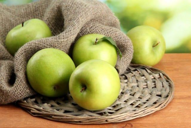 Mele verdi: 10 imperdibili proprietà curative. Perfette per le cure dimagranti