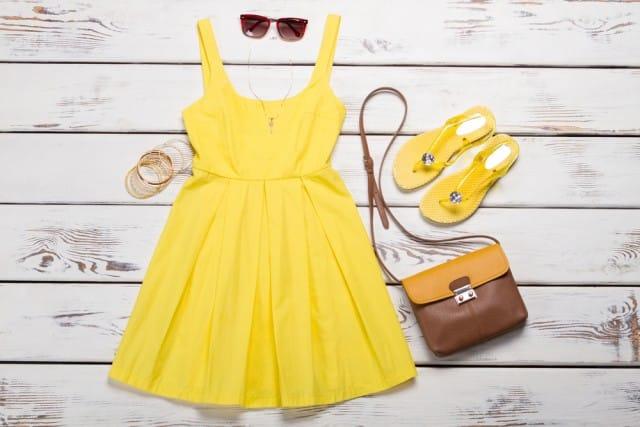 Come vestirsi bene spendendo poco: 10 consigli di stile per non sprecare denaro