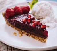 La merenda dello sportivo: torta al cioccolato vegana senza glutine con lamponi