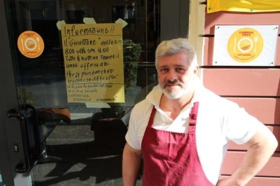 Pasti gratis ai poveri ogni mattina in un ristorante di Pistoia